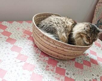 Cuddly cat snuggle bed - tan/neutrals