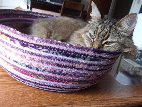 Cuddly cat snuggle bed - grape wine purple