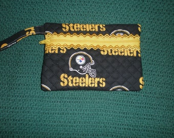 Pittsburgh Steelers  zippered wristlet wallet