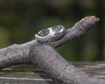 The Single Tree Vine Sterling Silver Band