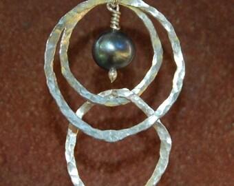 Black Pearl Abstract Circle Modern Dangling Earrings