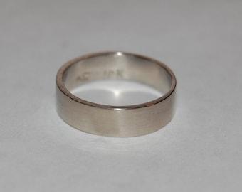 5mm White Gold Plain Wedding Band