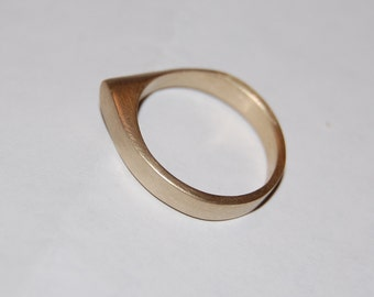 Stackable Point Ring- 10kt Gold ring