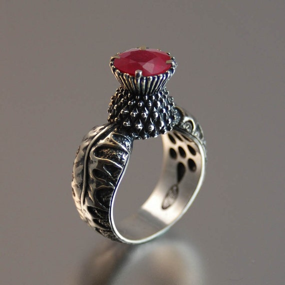BLOOMING THISTLE ring with Ruby