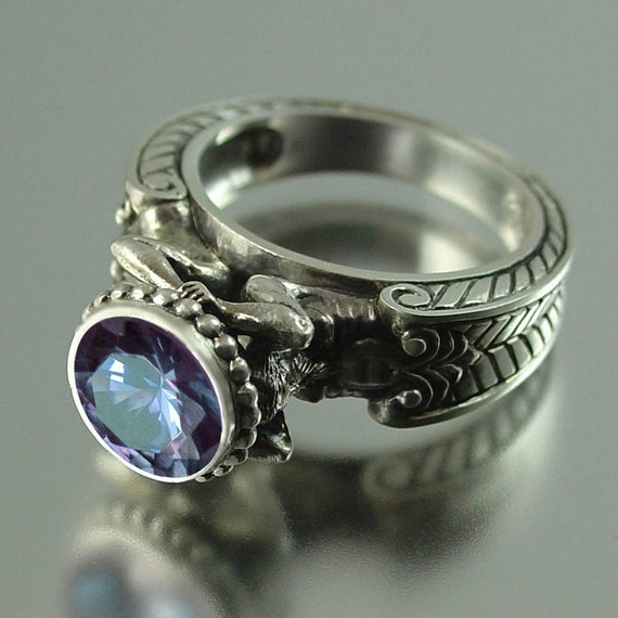 CARYATID Silver Ring with Alexandrite