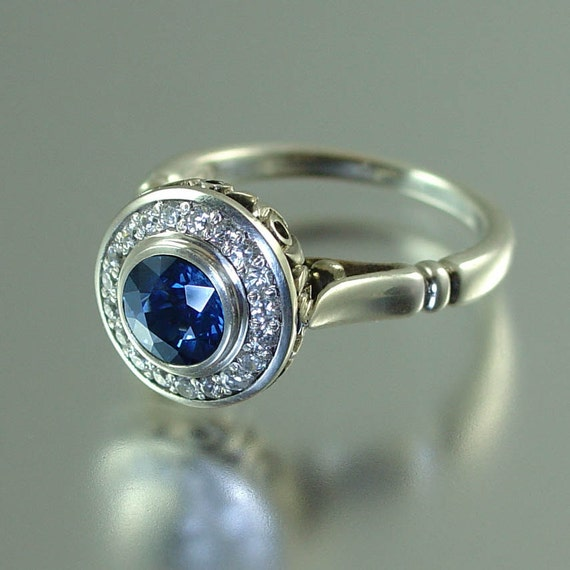THE SECRET DELIGHT 14k gold Blue Sapphire engagement ring