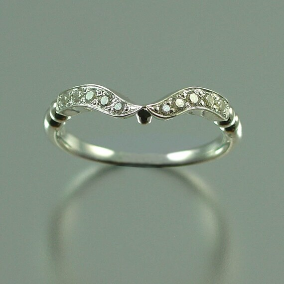 DELIGHT Wedding Band 14k gold and Diamonds