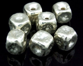 KV-016 thai karen hill tribe silver 2 hammered cube bead