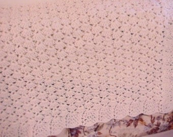 Crocheted Aran Off-White Shell Lap Afghan LA01-34B