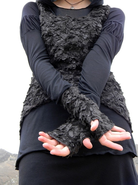 Crow Feather Gloves