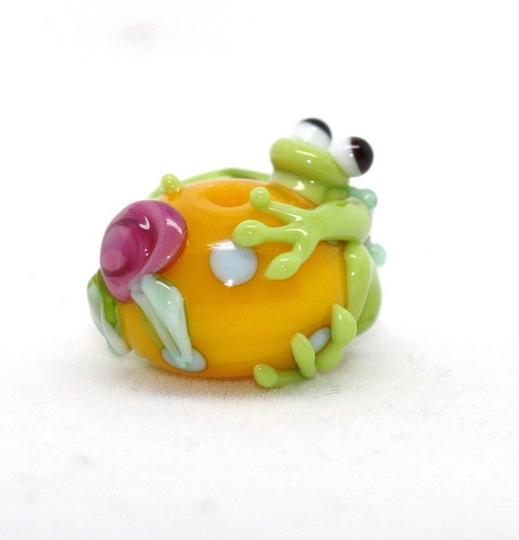 Made to order Margo lampwork beads frog rose