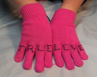 "Sale!!! ""TRUE LOVE"" knuckle tattoo winter gloves in PINK"