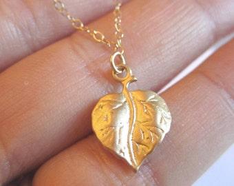Gold vermeil leaf solitare necklace