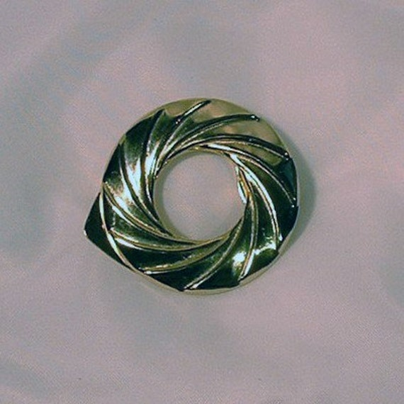 Gold Plated Swirl Knot Scarf Clip