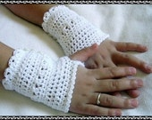 PDF PATTERN White Lacey Crochet Fingerless Gloves Girls