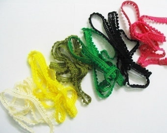 6 yards of Very Tiny pom pom trim assorted colors for making Barbie, Blythe and dolls clothes SET 3