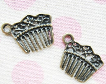 10 pcs of  tiny charms - Antique brass vintage comb charm