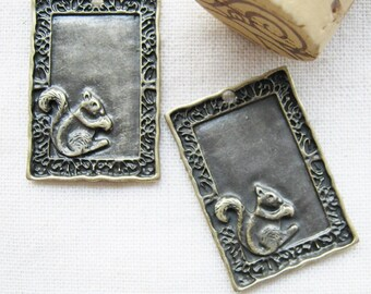 5 pcs of  tiny charms - Antique brass squirrel frame charm pendant setting