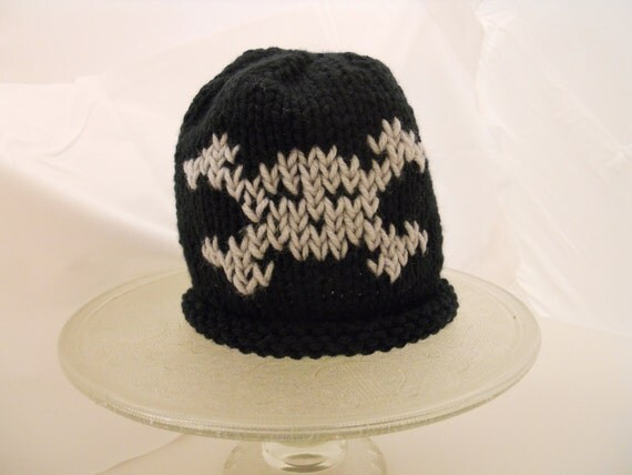 One Eyed Pirate - Skull and Crossbones Knit Hat Black and Gray