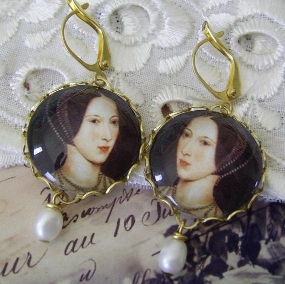 Tudor Earrings - Anne Boleyn with Freshwater Pearls