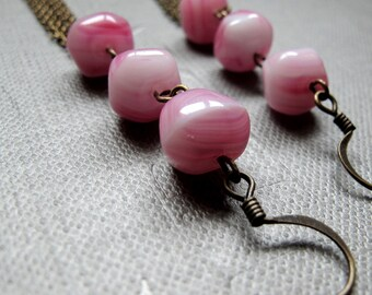 Pink Swirls and Tassels Earrings // Brass Chain Dangle Earrings // Pink Vintage Glass Beads // Gift under 25
