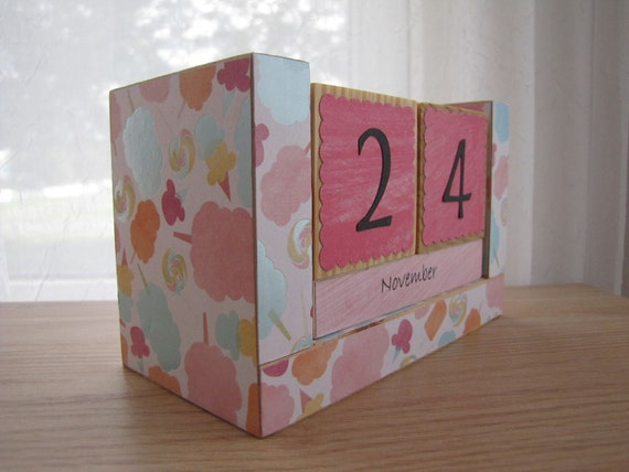 Perpetual Wooden Block Calendar - Cotton Candy Icecream and Carnival Treats