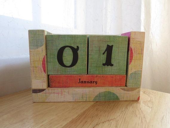 Perpetual Wooden Block Calendar - Big Honkin Summer Country Polka Dots