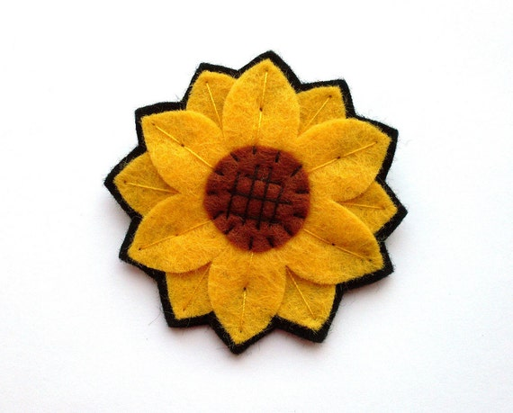 Sale: Sunflower, felt flower brooch, sunny yellow