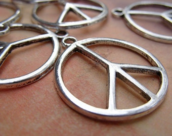 Peace Sign Charm/Pendant - 23MM - B-6371
