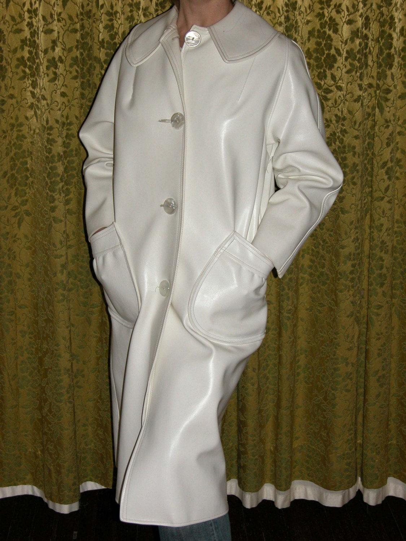 Vintage Mod White Vinyl Coat With Beret