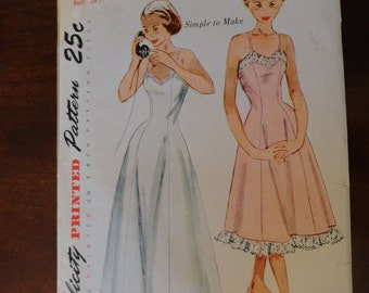 Simplicity 3391 Vintage 1950s Teen Age Slip in Daytime and Evening Lengths sz 10 B28