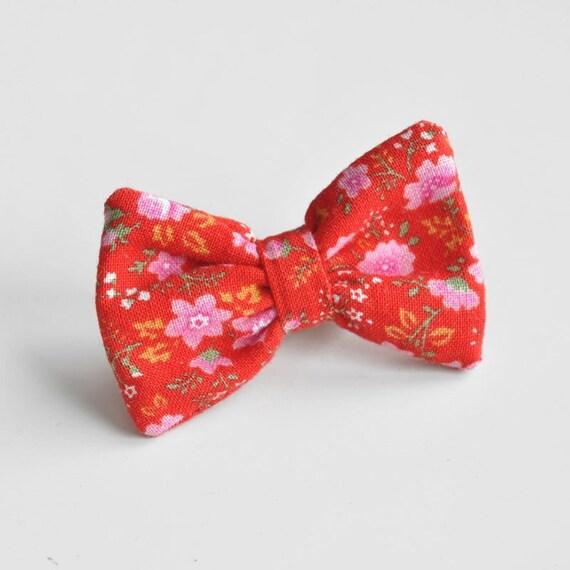 bow 19 - brooch