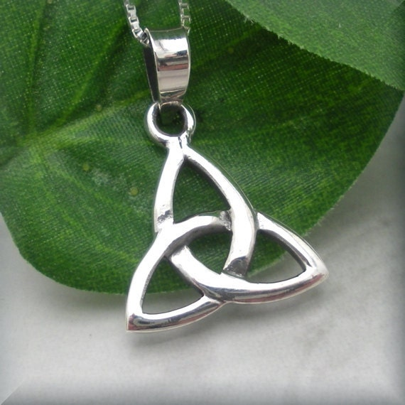 Trinity Necklace, Triquetra Necklace, Celtic Knot, Celtic Trinity Knot, Celtic Jewelry, Sterling Silver Irish Jewelry (SN629)
