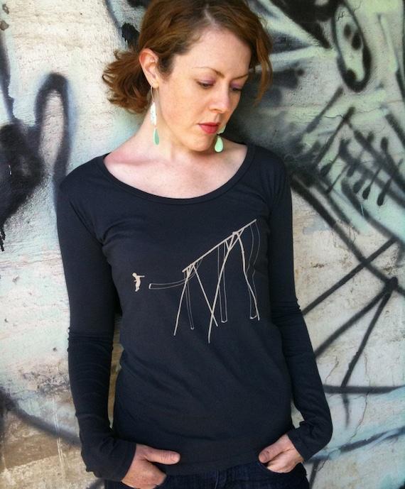 Jump shirt for women - earth coal organic cotton - long sleeve