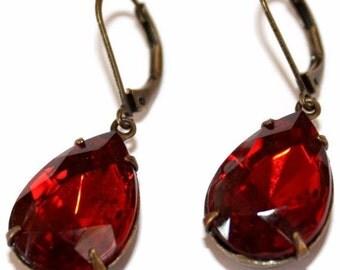 Vintage Pear Teardrop Shape Faceted Glass Jewels Red Earrings