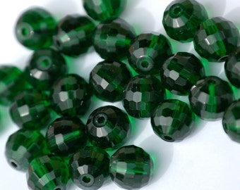 8mm Transparent EMERALD Faceted Crystal Round Beads (15) CHI27