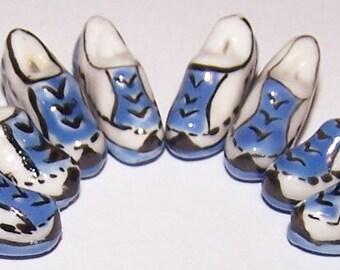 18x10mm Porcelain Tennis Shoe Beads (8) PC2