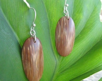 Indio Maiz - handcarved organic coroso palm earrings