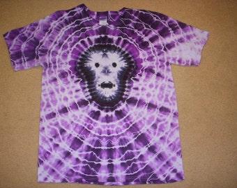 L skull tie dye tshirt, purple and black, large