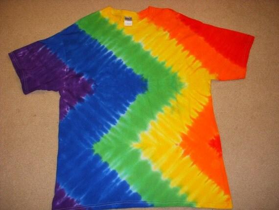 XL  tie dye tshirt rainbw zig zag design extra large