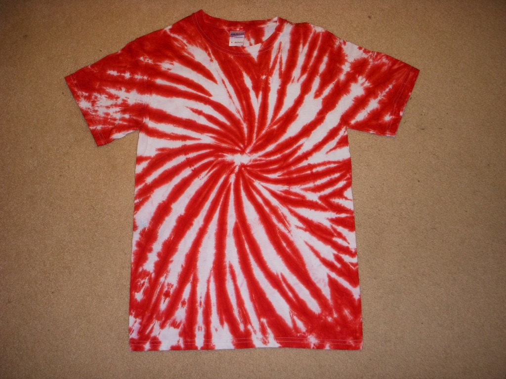 Sale Small Tie Dye T Shirt Red Pinwheel