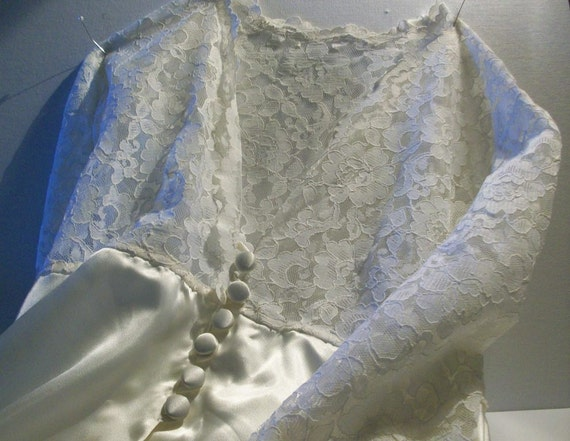 Satin Nightgown Robe, Vintage 1970s, Classic Lace and Satin, Cream, Ivory, vintage lace