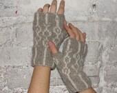 circle circle dot dot fingerless gloves knitting pattern