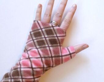 Fingerless gloves, Wrist Warmers, Pink Argyle, soft, washable fleece