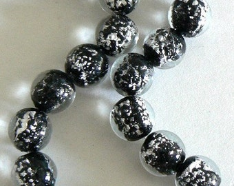 SALE 10PC 14mm Large Focal Glass Black With Silver Foil Lampwork Bead b1767