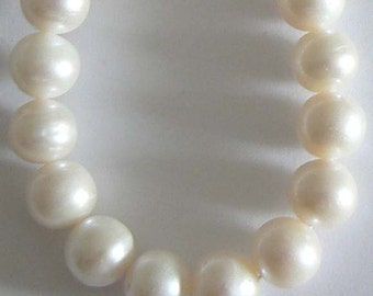 SALE 1pc 12-13mm Extra Large AA Freshwater Pearl Beads Round Natural White b2341