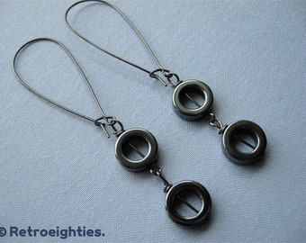 Hematite Double O (with Gunmetal Kidney Earwires) - Dangling Earrings