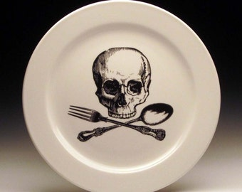 skull and cross-utensils 9 inch dinner plate