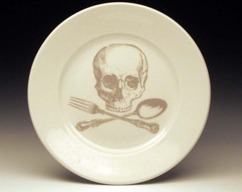 skull and cross-utensils dessert plate in GHOSTIE GREY