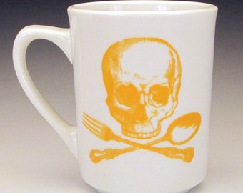 skull and cross utensils classic mug in GOLDENROD